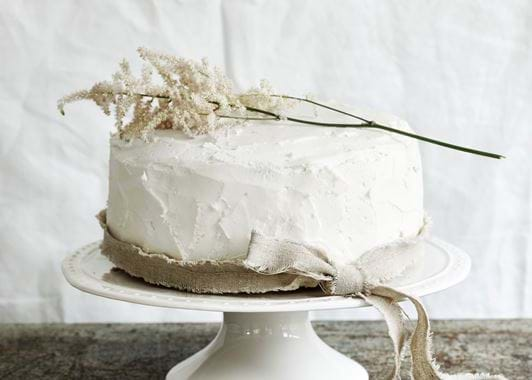 Bowsley Cake Stand - White