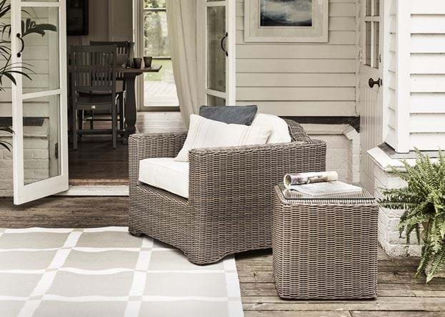 Tresco Armchair with Coleton Side Table_Outdoor Living