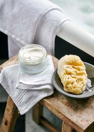 Bluebell and honeysuckle body cream