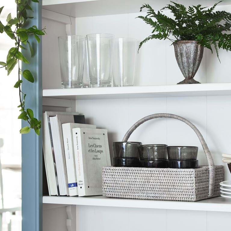 Chichester dresser shelf detail