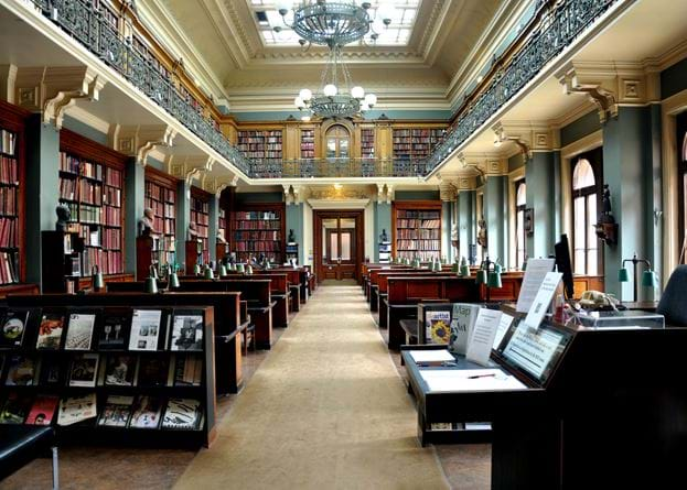 national_art_library_va_2011