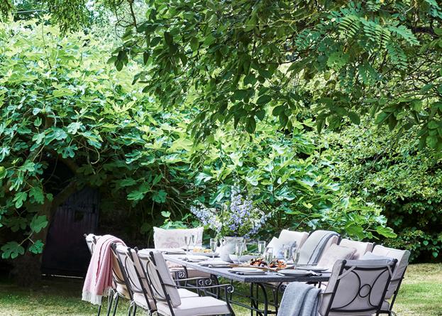 Cheltenham 10 Seater Set_ Garden Furniture_Secret Garden
