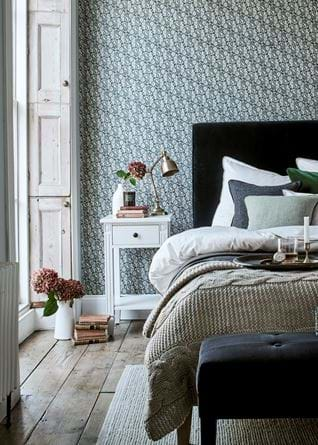 Winterberry wall bedroom