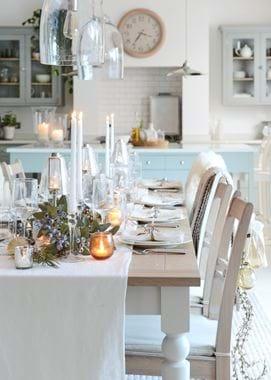 Edgbaston Tables_Gold_Lit Candles