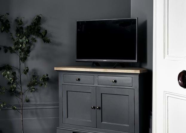 Grace cushion with Henley AV cabinet