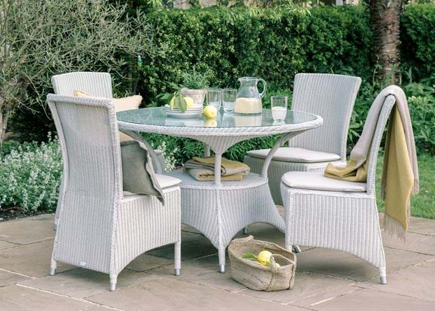 SS20 CHATTO 4S TABLE & CHAIRS_4
