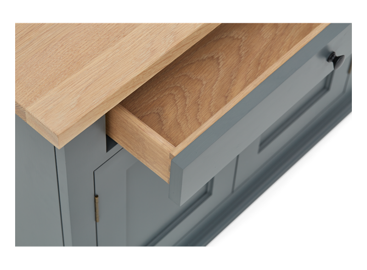 Henley 5ft AV Cabinet Base Detail 04