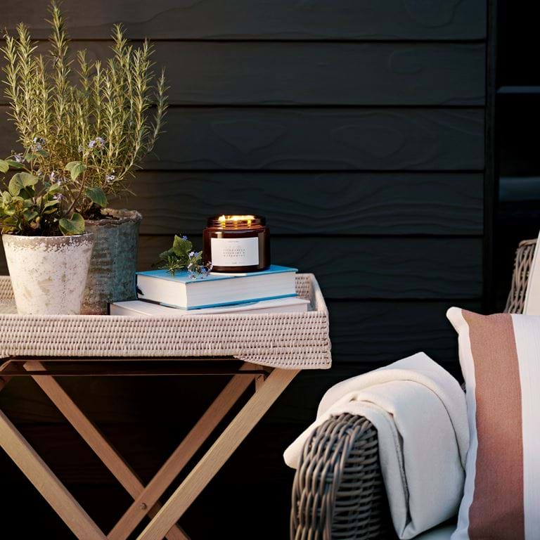 Cintronella, rosemary and watermint outdoor candle 03