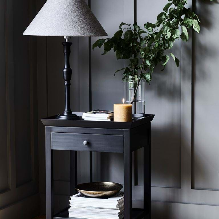 ALDWYCH_SIDE_TABLE_008