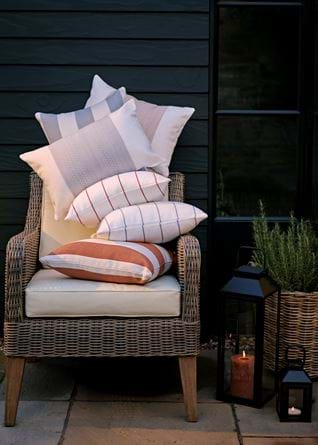 Outdoor scatter cushion collection 01