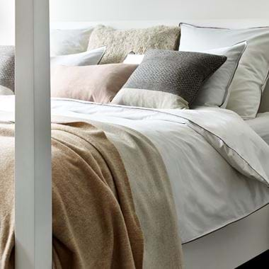Bed linen with throw & cushions