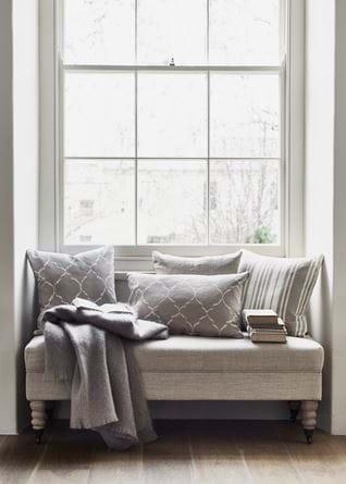 WINDOW_SEAT_021