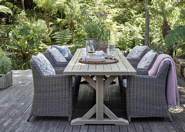Harmondsworth 6-seater Table_Garden Furniture