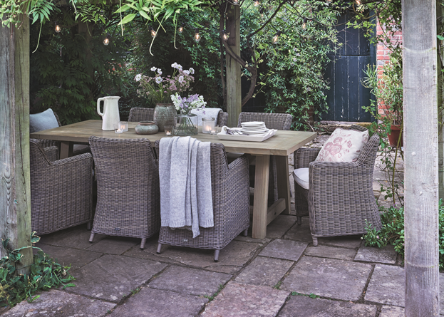 Stanway Teak 8 Seater Table & Stanway Carver Chairs_Garden Patio
