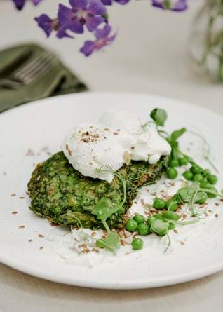 Pea and spring onion fritter