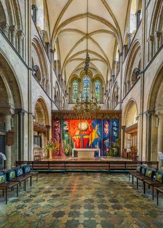 Chichester_Cathedral_High_Altar,_West_Sussex,_UK_-_Diliff