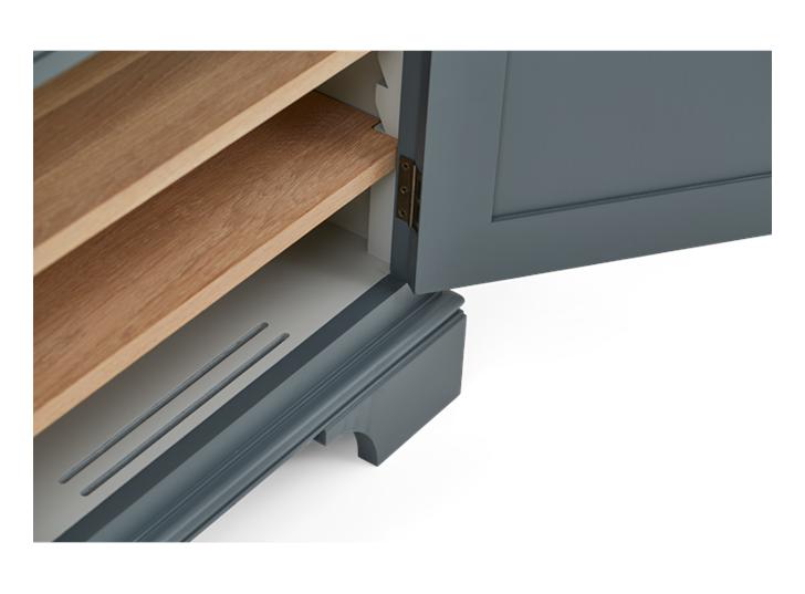 Henley 4ft AV Corner Cabinet Detail 01