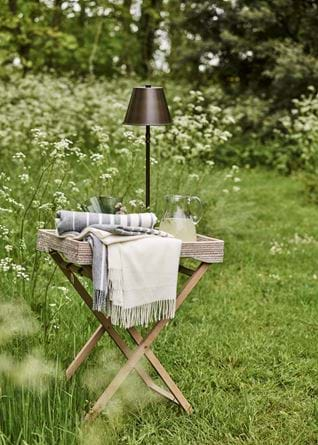 ASHCROFT_TRAY_TABLE_OUTDOOR_007