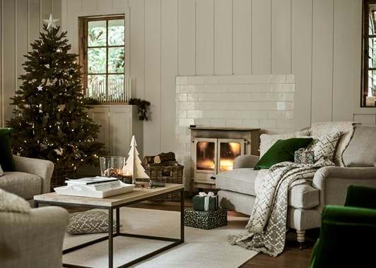 Carter fireside Christmas tree