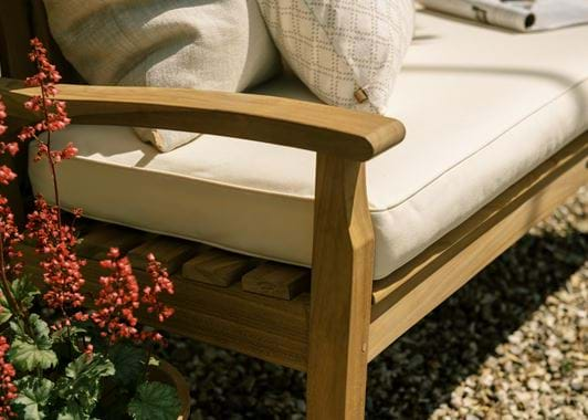 SS20 CANTERBURY 5ft bench wave back - detail