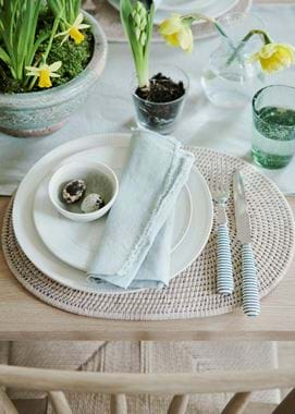 Ashcroft Placemat_Easter Table Styling
