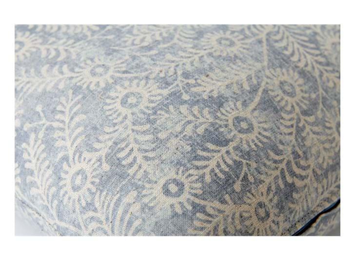 Grace 57x57cm, Orla Flax blue_detail