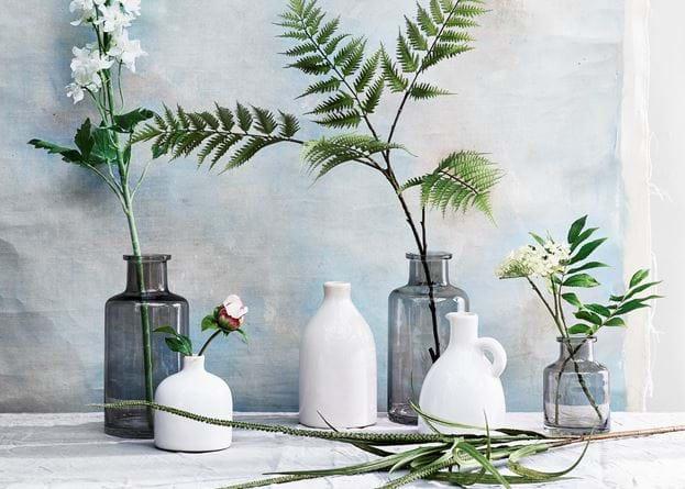 Castleford small bottle vase
