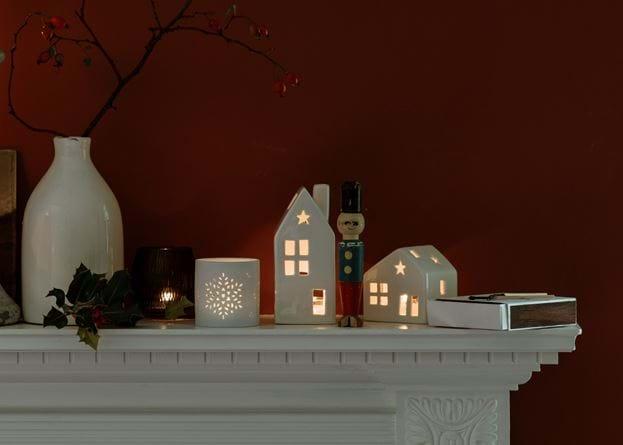 Christmas mantle shelf