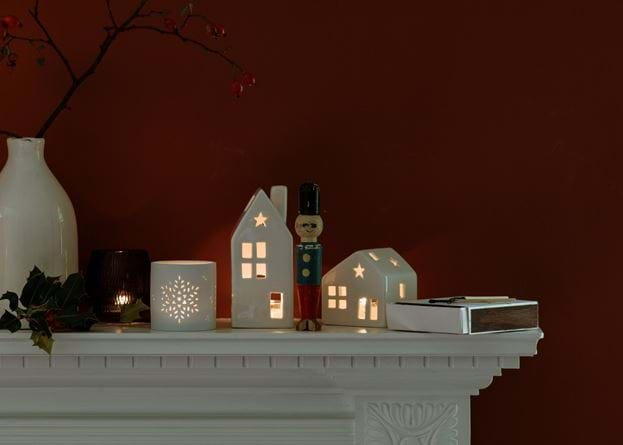 Christmas mantle shelf
