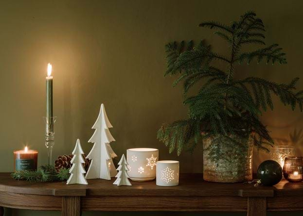 Christmas console styling