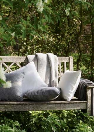 OUTDOOR_CUSHIONS_009