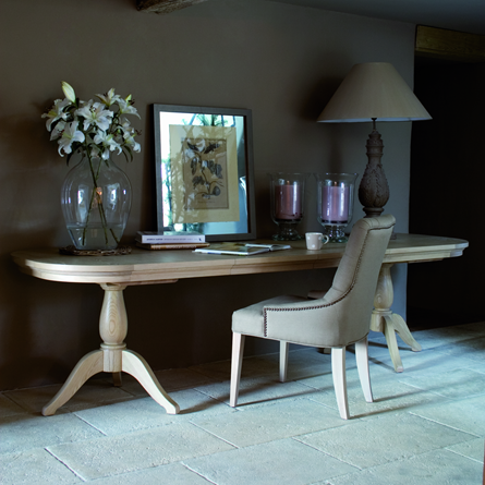 Henley Extending Table