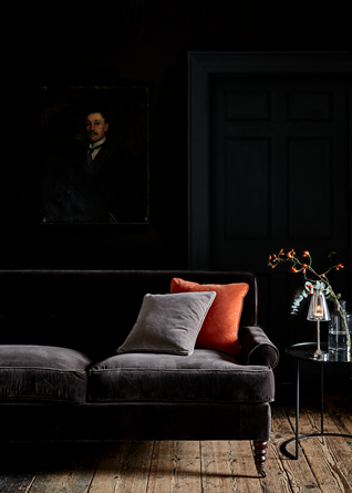PR_Velvet_Trend_George_Sofa_AW18_041_prop_table_dark_door_with_painting