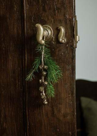 Nora Brass Bells_Hanging Decs