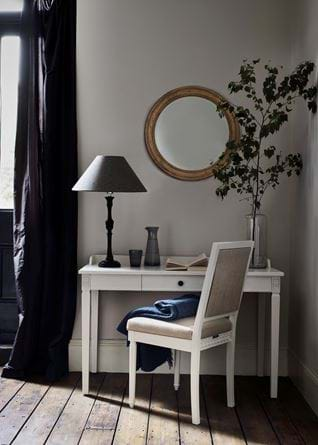 LARSSON_DRESSINGTABLE_012