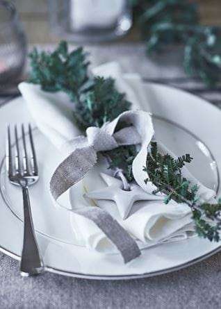 NEPTUNE_CHRISTMAS_TABLE_DETAIL_2_XM17_PR_083