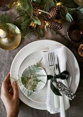 Christmas Lowther place setting with hand