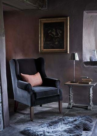 Dominic armchair with painting