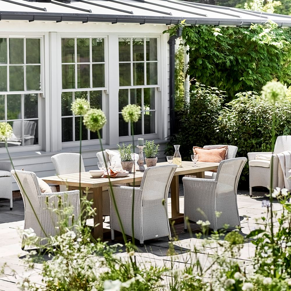 Pembrey Table with Chatto Carver Chairs_Garden Furniture_Outdoor Dining