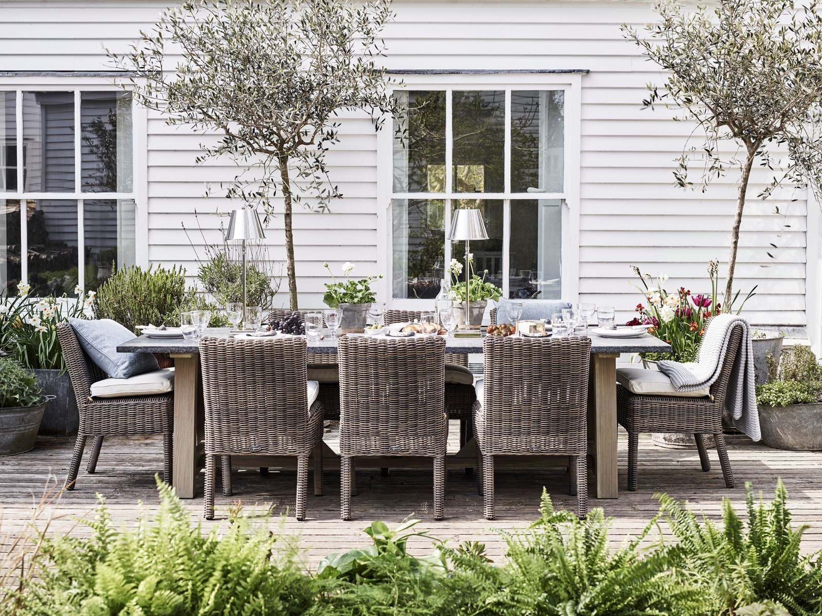 The garden furniture guide  Neptune