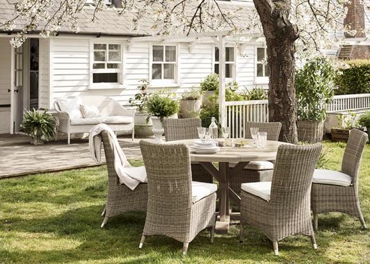 Harmondsworth Round Table 6-seater Set_Garden Furniture_Spring Blossom