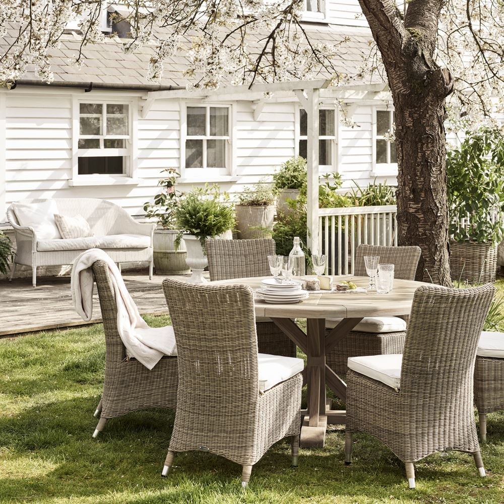 Harmondsworth 6 Seater Round Table with Cayton Dining Chairs_Garden_ Spring Blossom