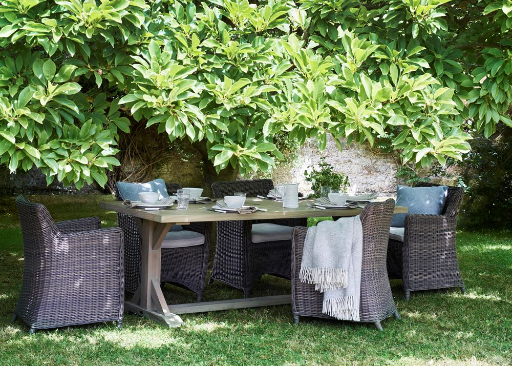 Harmondsworth 6-seater Table_Garden Furniture