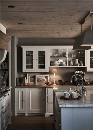 Cosy galley kitchen