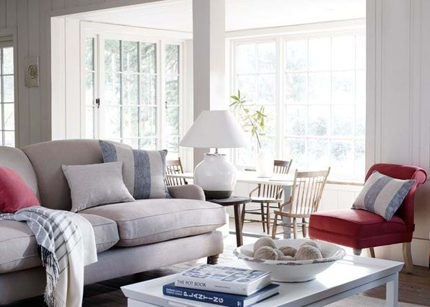 Corinium Medium Lamp in Living Room