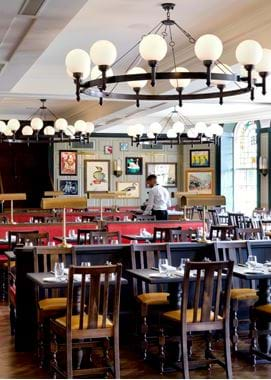 pt_view-of-restaurant-with-waiter_highres